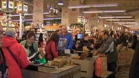 Whole_Foods_Christmas_Grocery_Store_Lines
