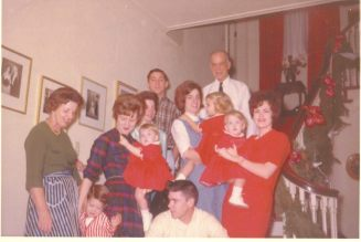 1963-christmas-group2